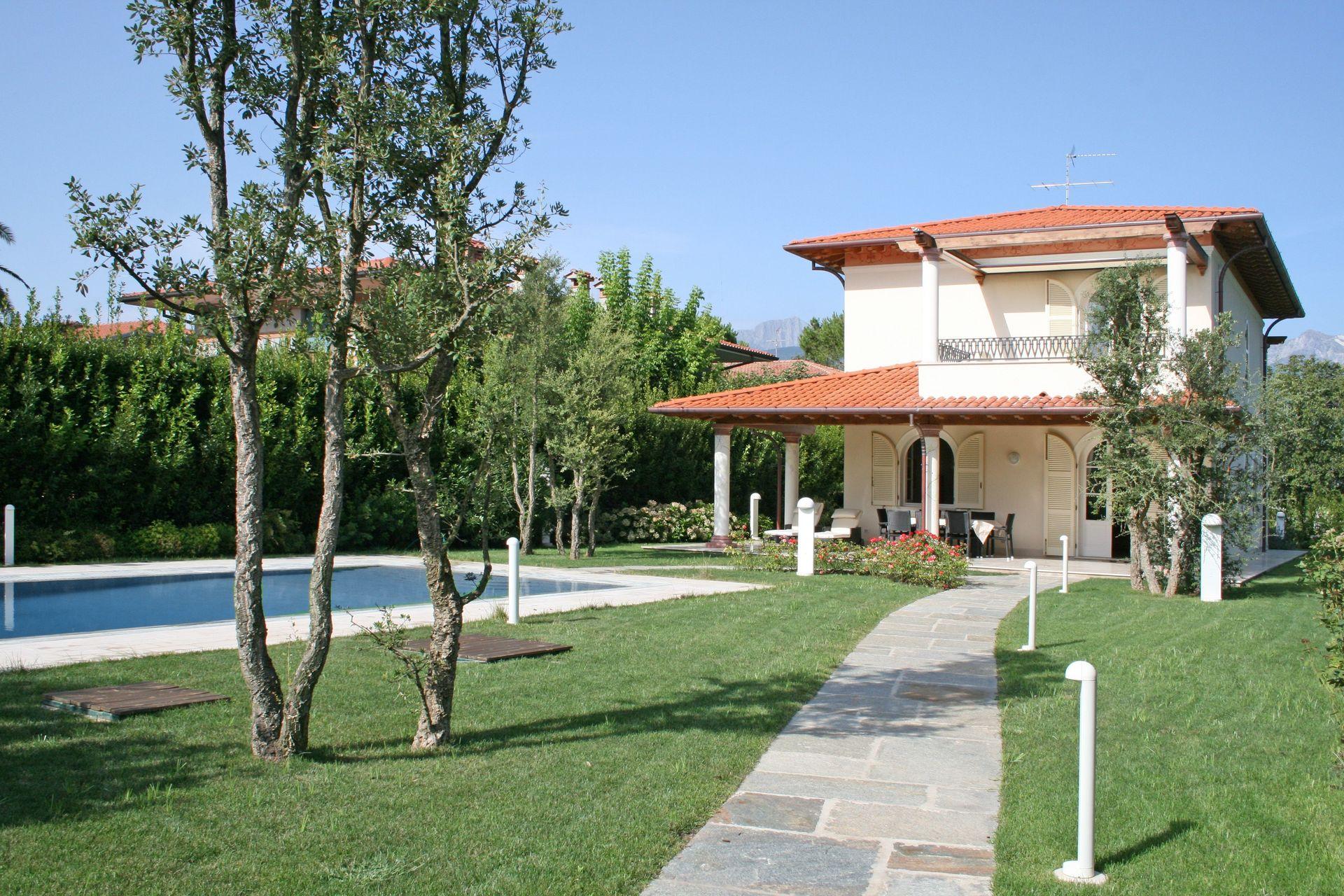 Affittare una villa a Camaiore a buon mercato vicino al mare