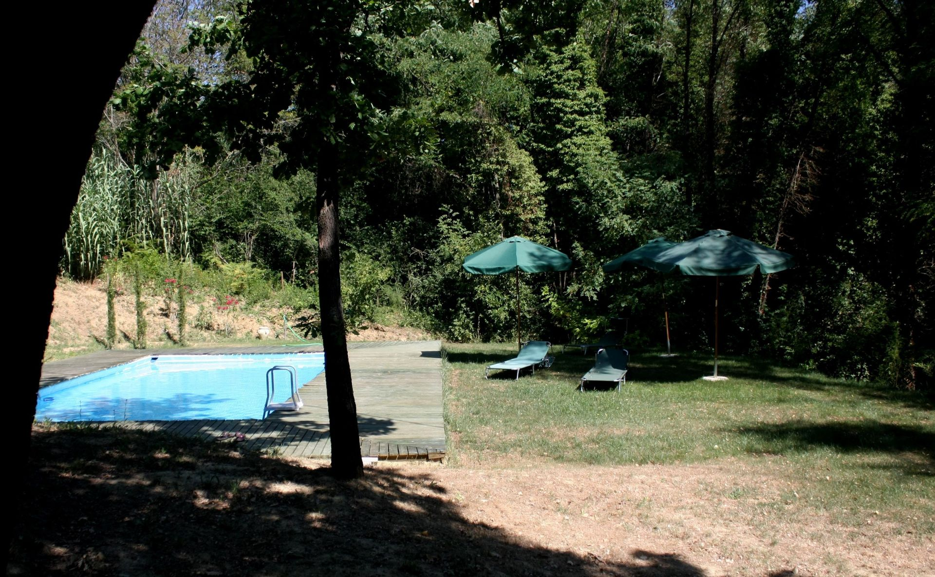 lari holiday rental tuscan villa pool + tennis located tuscany, italy.